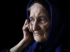 Адепресс з обережністю призначають літнім пацієнтам