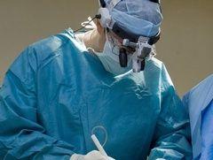 Лікар хірург