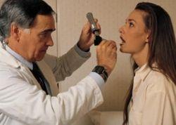 Ліки від горла (таблетки, спреї, льодяники від болю в горлі)