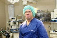 Пластичний хірург