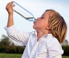 Надання першої допомоги дитині при сонячному ударі